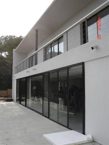 villas saint tropez menuiseries aluminium et garde corps architecte vincent coste. Black Bedroom Furniture Sets. Home Design Ideas